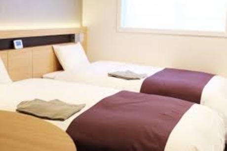 【長期安定】短時間・高時給・週3日から!ホテルの清掃補助未経験大歓迎髪色、ネイル自由